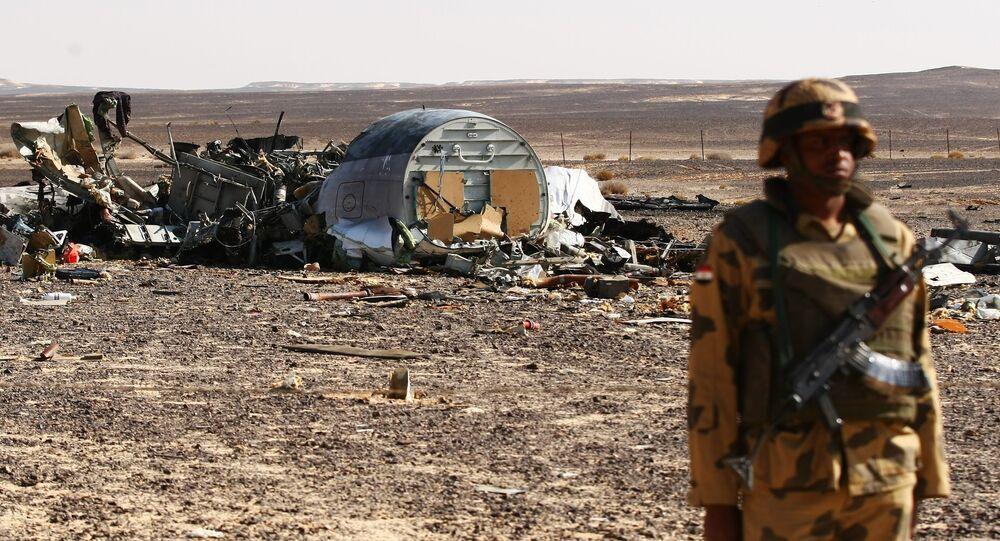 Sur les lieux du crash de l'A321 russe en Egypte