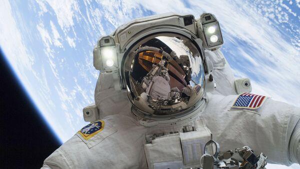 Sortie dans l'espace - Sputnik France