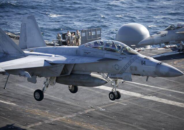Porte-avions américain  USS Ronald Reagan