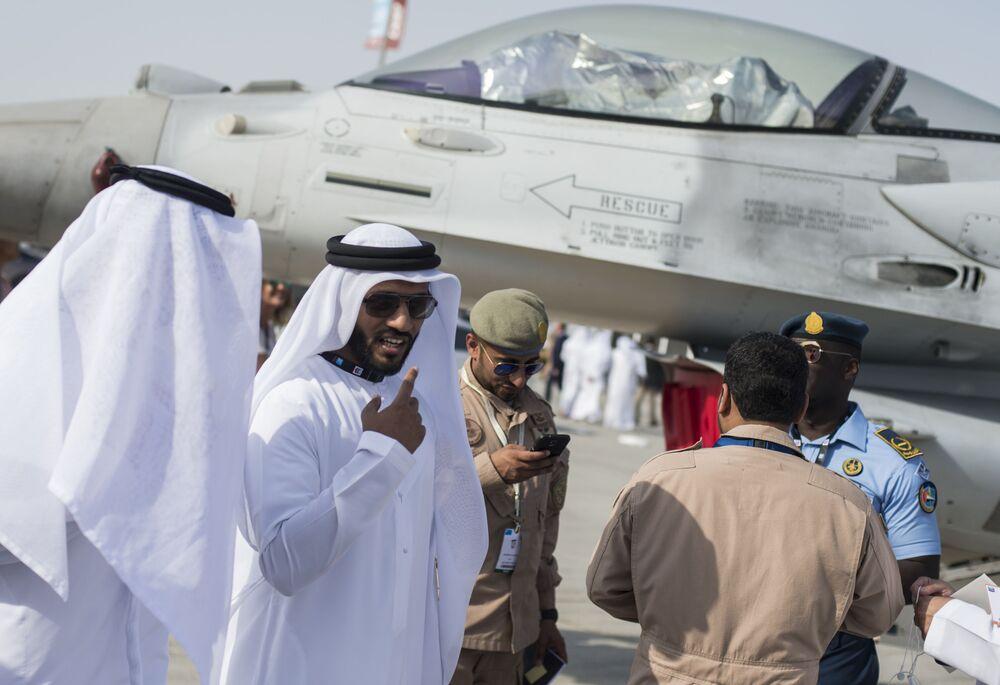 Le Dubai Airshow 2015 a ouvert ses portes