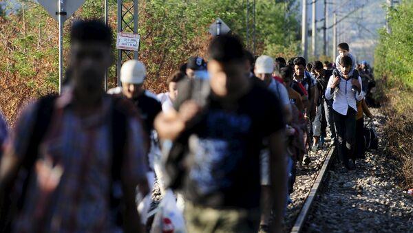 Les migrants se mettent à quitter l'Autriche - Sputnik France