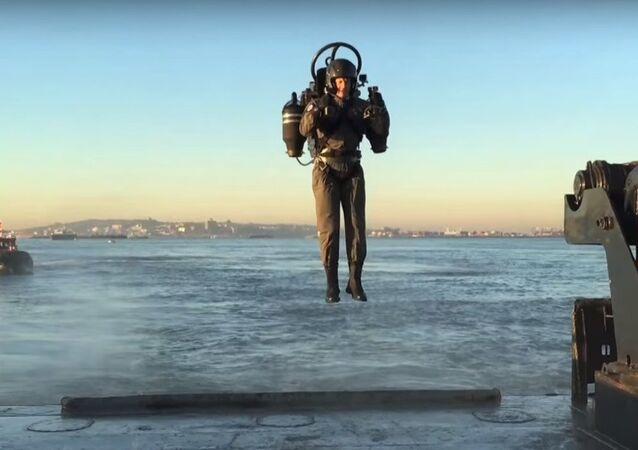 Jetpack: bientôt tous des hommes-oiseaux?