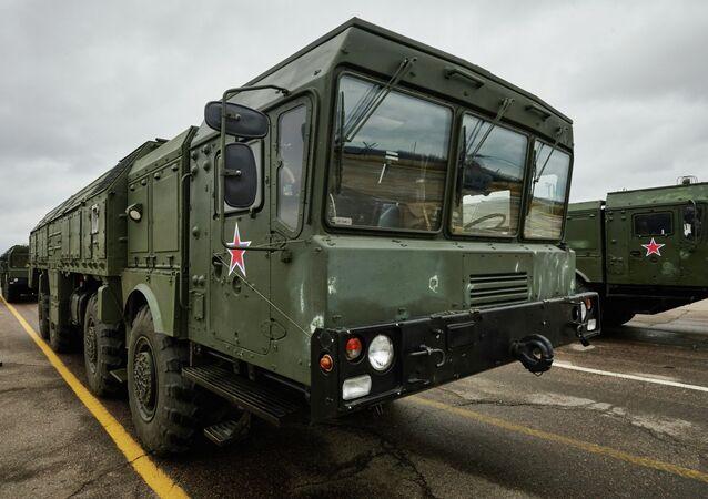 Les missiles Iskander à Kaliningrad chopent un satellite espion US