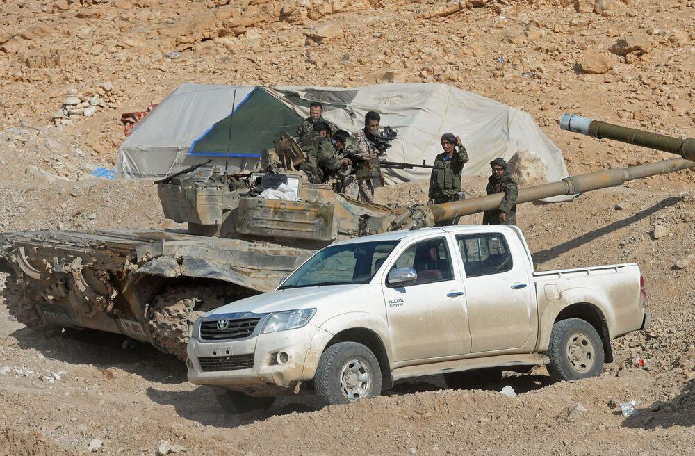 L'armée syrienne aux abords de Palmyre