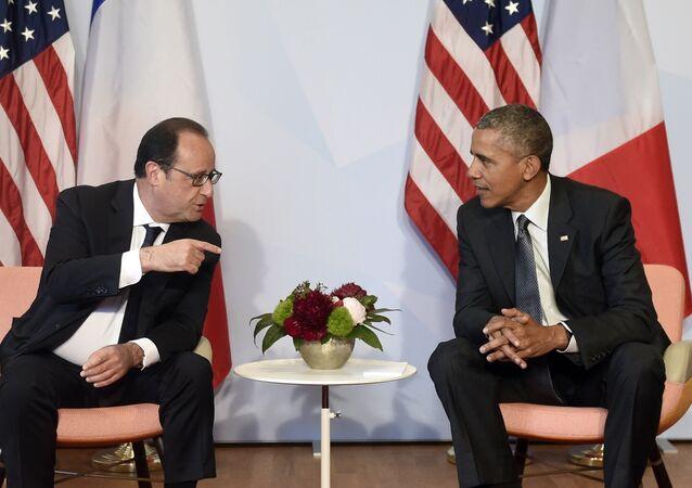 Hollande tentera d'influencer la stratégie US contre l'EI
