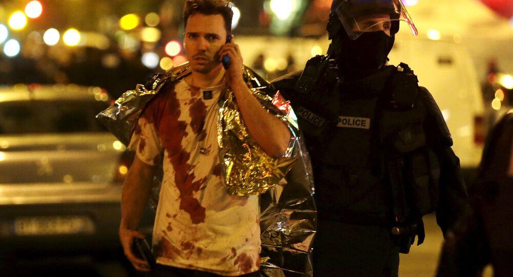 Un homme blessé lors de l'attaque du Bataclan, en 2015