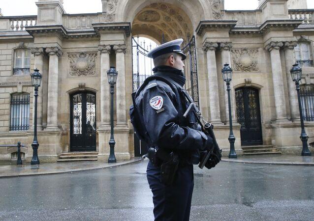 Policier français