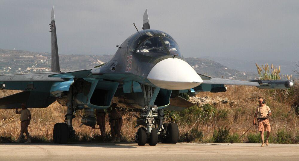 Avion de combat russe à l'aéroport Hmeymim en Syrie