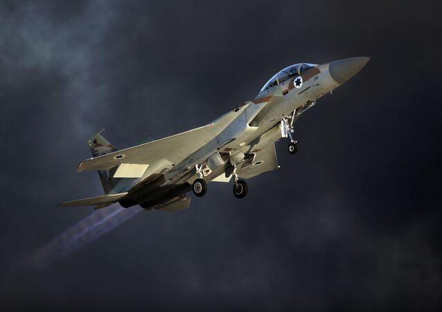 L'avion de chasse israélien F-15 E