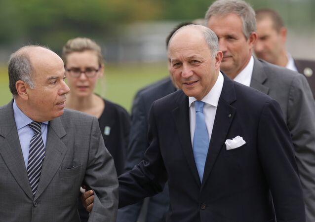 Laurent Fabius (à droite) et Mauro Vieira