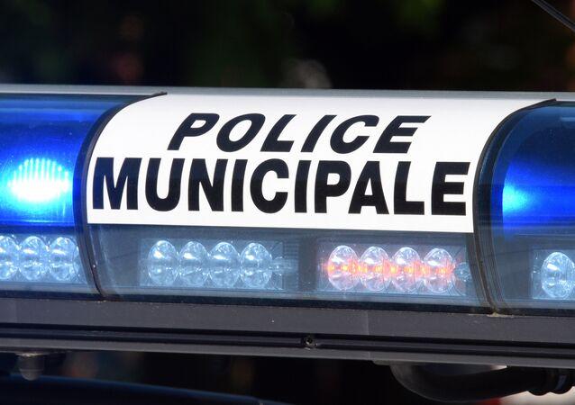 Gyrophares sur une voiture de la police à Roubaix. Image d'illustration