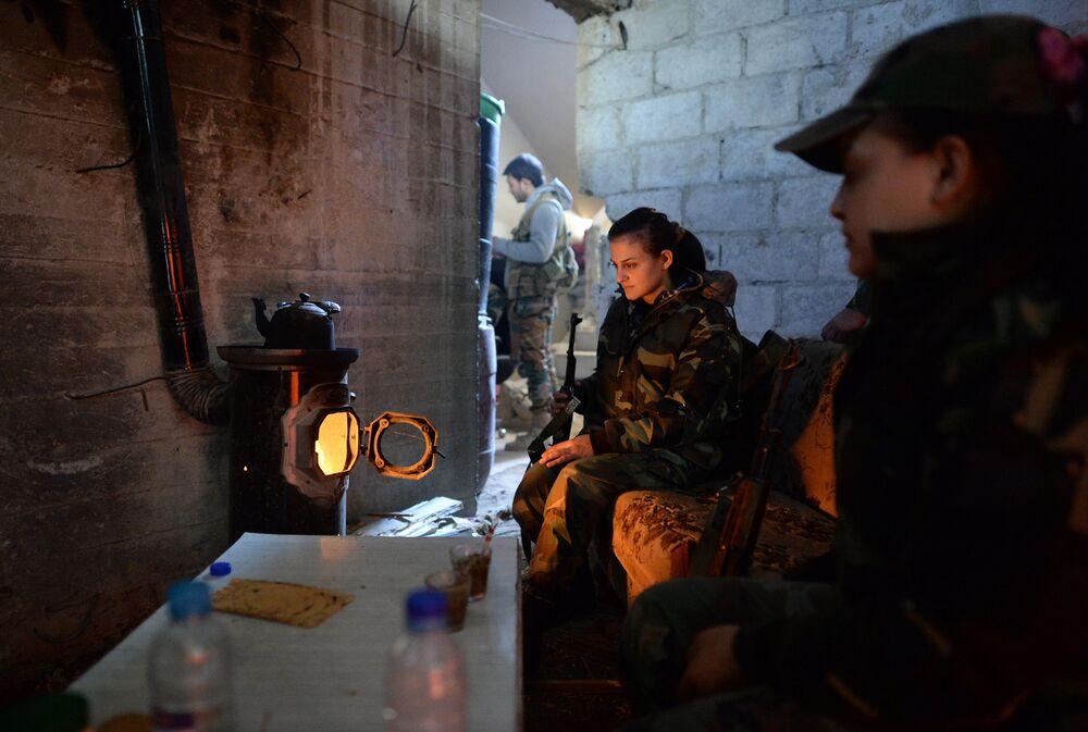 L'armée syrienne combat les terroristes en banlieue de Damas