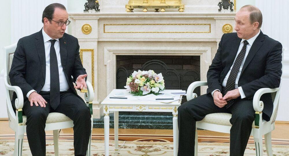 François Hollande et Vladimir Poutine lors d'une rencontre à Moscou