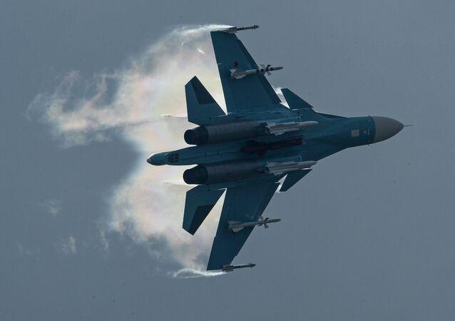 Un chasseur-bombardier russe Su-34