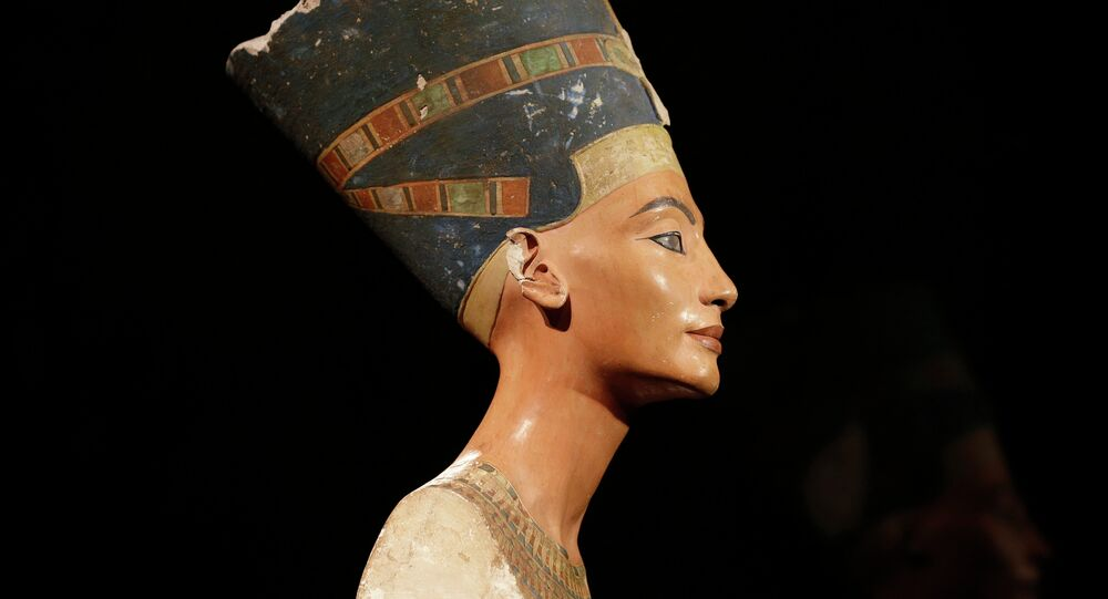 Busto de Nefertiti