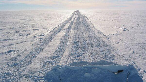 Une route en Antarctique - Sputnik France