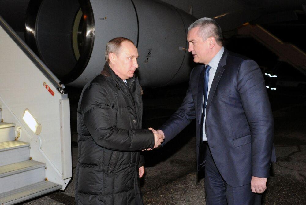 Poutine inaugure le pont énergétique avec la Crimée