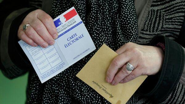Second tour des régionales: la France retient son souffle - Sputnik France