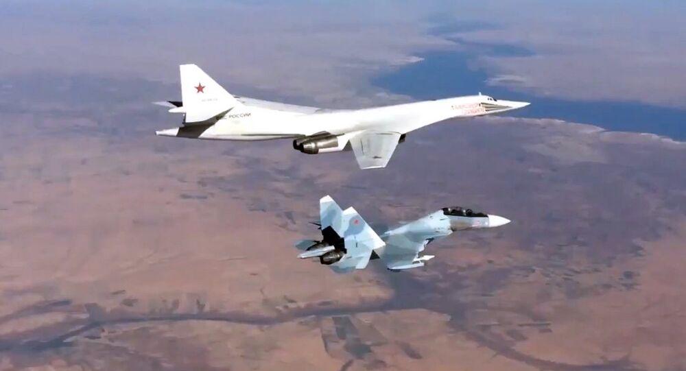 Un avion russe frappe des cibles de Daech en Syrie