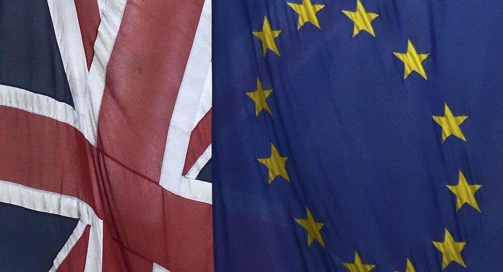 Les drapeaux de l'Union Européenne et d'Union britannique