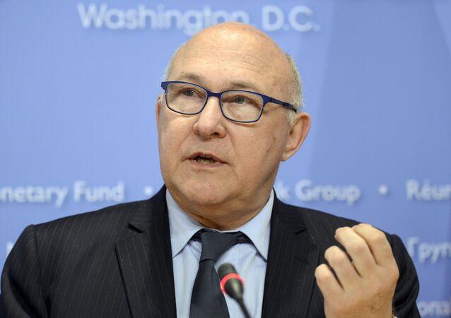 Le ministre français des Finances Michel Sapin