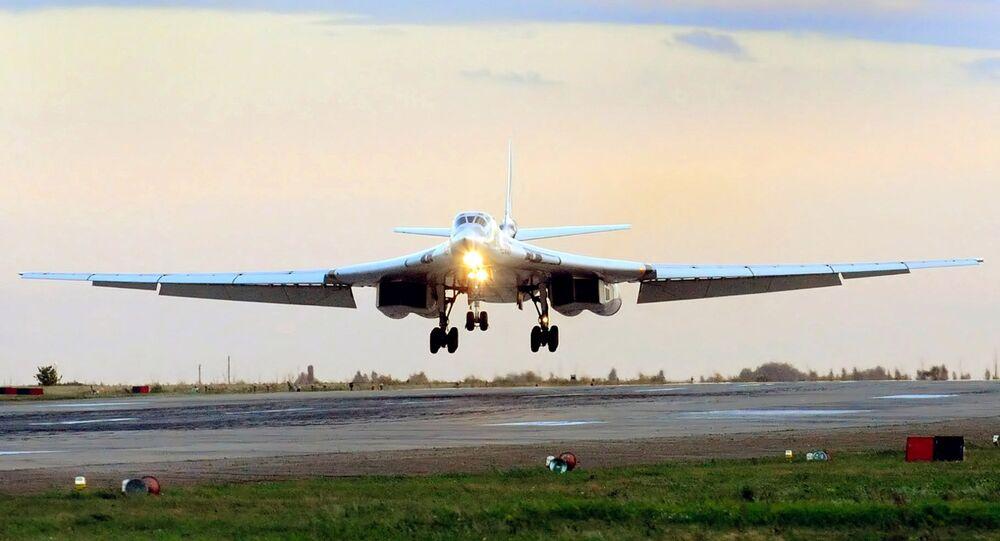 L'avion stratégique russe Tu-160