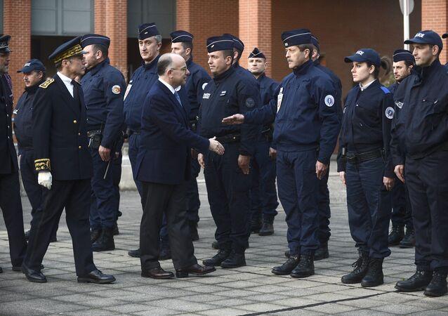 Le ministre français de l'Intérieur Bernard Cazeneuve a annoncé mardi à Toulouse qu'un projet d'attentat dans la région d'Orléans avait été déjoué la semaine dernière.