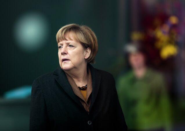Merkel en colère contre le Pape pour la femme stérile