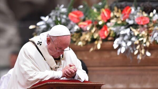 le pape François dans une basilique Saint-Pierre, Noël - Sputnik France