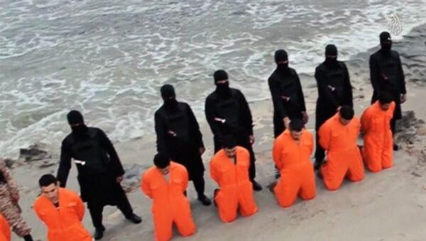 La décapitation des chrétiens d'Egypte par les terroristes de l'EI, février 2015 - Sputnik France