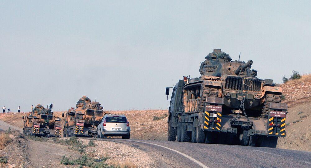 Des chars turcs près de la frontière turco-irakienne