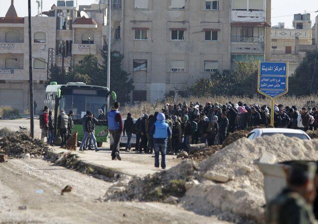 Evacuation de rebelles syriens sous la supervision de l'Onu