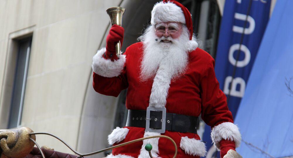 Пер Ноэль на параде Санта-Клаусов в Мон-Реале