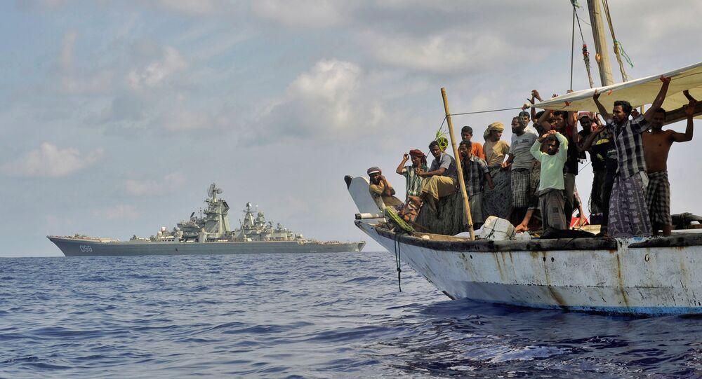 Les marins russes apprennent à aborder les navires pirates