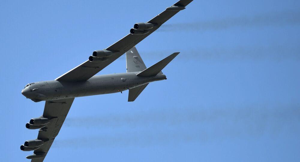 Un bombardier stratégique américain B-52