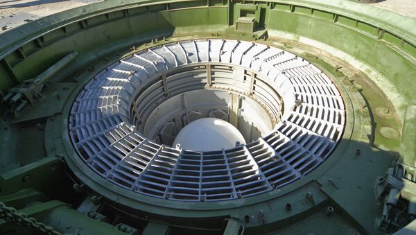 Missile balistique intercontinental RS-18 Stiletto placé dans son silo - Sputnik France