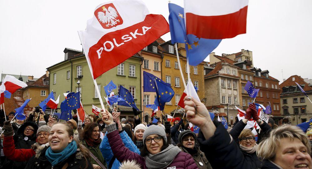 Manifestation pro-démocratie en Pologne