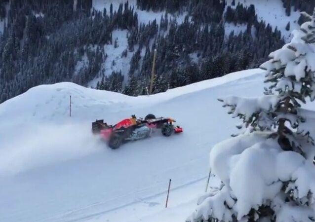 Max Verstappen a tenté de piloter F1 sur une piste de ski