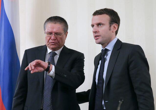 Alexeï Oulioukaïev et Emmanuel Macron