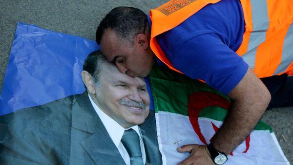 Un supporteur du Président Abdelaziz Bouteflika - Sputnik France