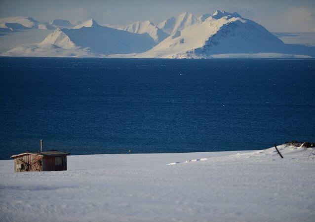 Au bord de l'océan glacial arctique