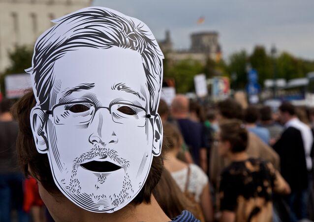 Edward Snowden, masque