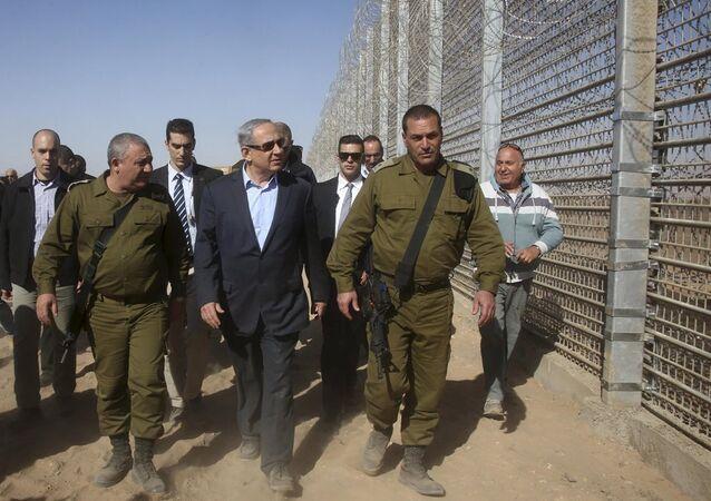 Israël se dit prêt à s'entourer de clôtures