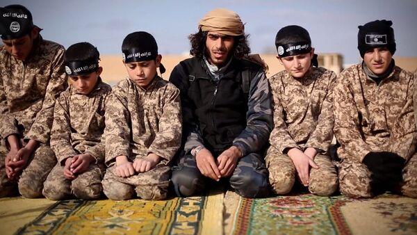 les enfants soldats du groupe de l'État islamique - Sputnik France