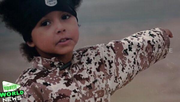 Jihadi Junior: Daech transforme un garçon de quatre ans en machine à tuer - Sputnik France