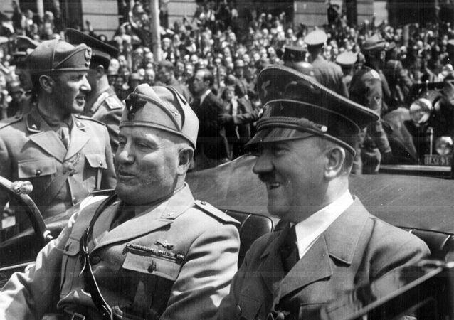 Adolf Hitler et Benito Mussolini