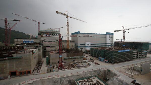 Un réacteur nucléaire et des installations supplémentaires en construction qui représentent une partie de la centrale nucléaire de Taishan, dans la province du Guangdong - Sputnik France