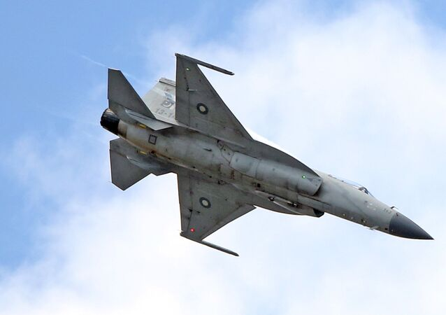 Le chasseur-bombardier FC-1 (JF-17 Thunder)