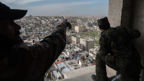 Des militaires syriens prennent position autour d'Alep - Sputnik France