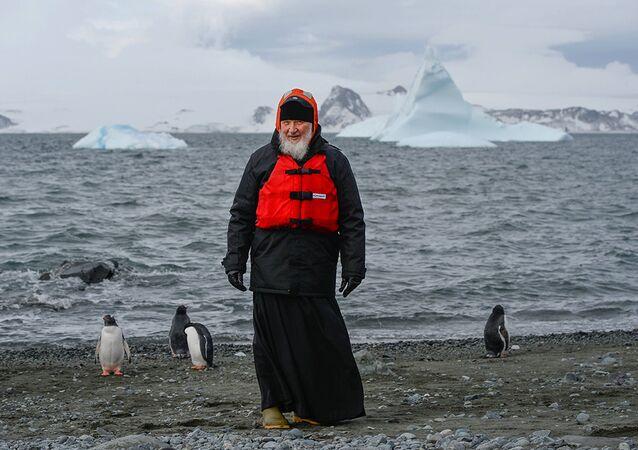Le Patriarche Cyrille rend visite aux manchots